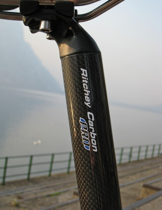 The Ritchey Pro Carbon seatpost performed its duty without fail.