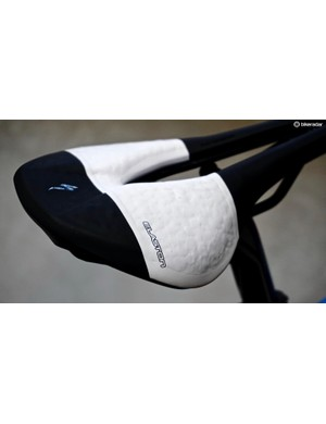 Clearly proud of their saddle, Specialized designers opted for a blatant callout of the Elaston material