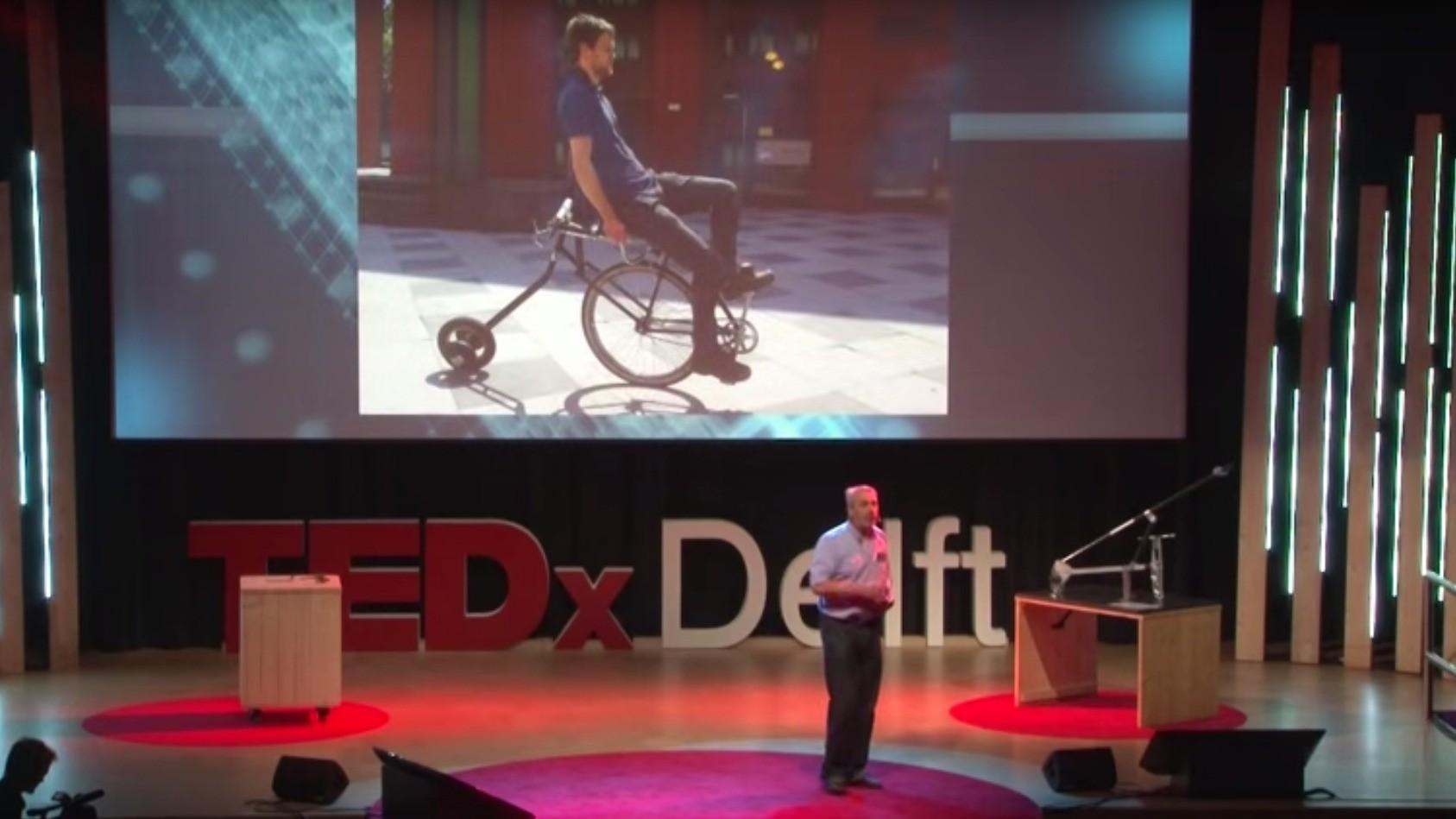 Prof. Arend Schwab and his rear-wheel-steering bike