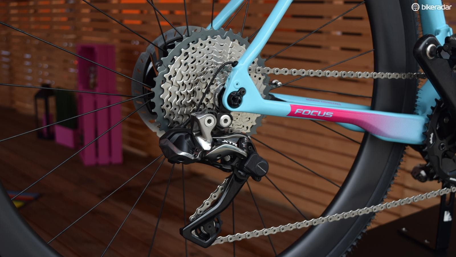 The XTR Di2 rear derailleur is needed to accommodate the 11-40t cassette