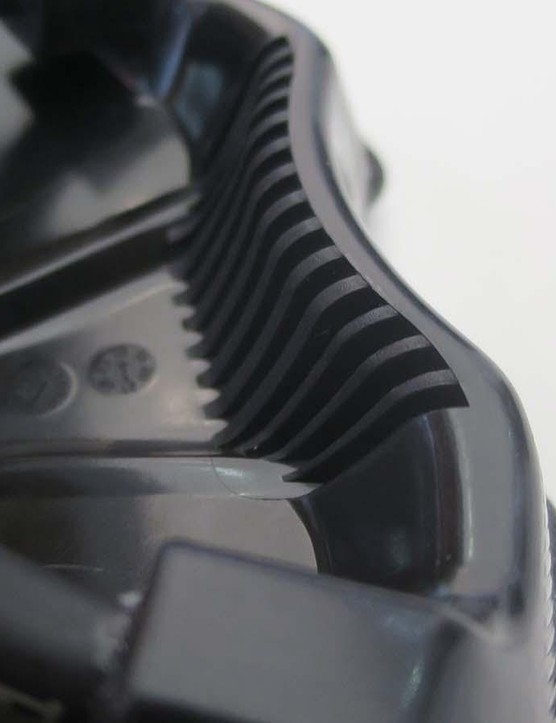 The heel of the Proxim is shaped and reinforced so you can use it to lift the bike
