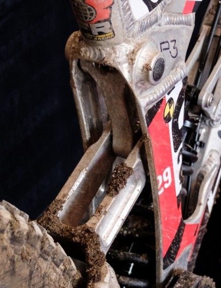 The split seat tube allowed Intense to move the shock approximately two inches further forward than on the M16