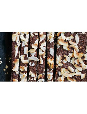 Whip up a batch of these tasty energy bars and fuel yourself for a whole week of riding and training