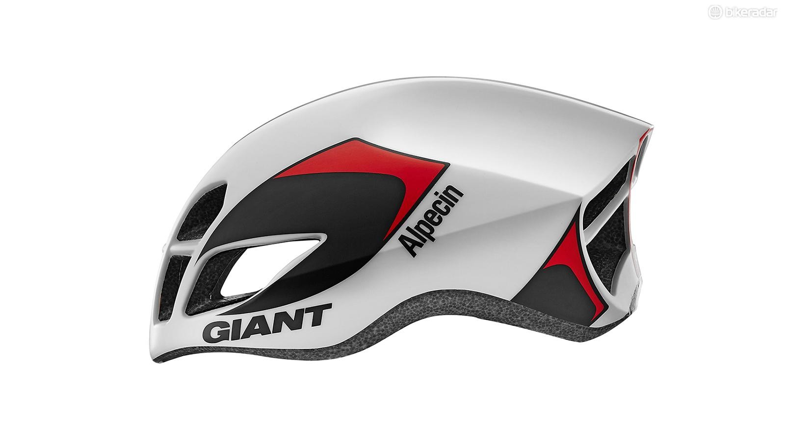As is the current trend, the Giant Pursuit seeks to offer both good aerodynamics and good ventilation