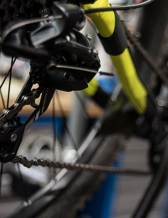 How to sort out a stiff chain link