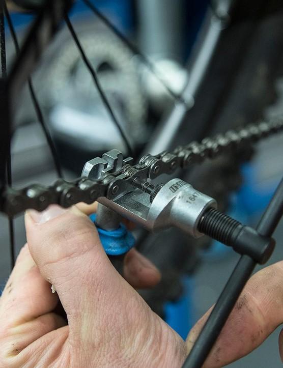 3. Chain tool fix