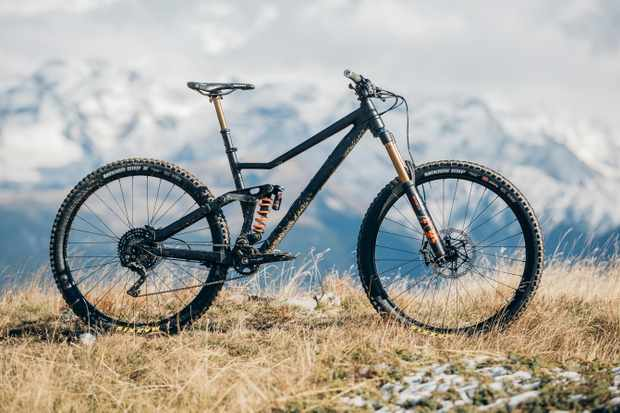 In all its glory — even if you ignore its cool USP, it's one beautiful bike