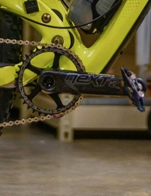 Next R cranks are slightly beefier than Next SL and are direct-mount or 64/104mm-ready with 30mm CINCH spindles