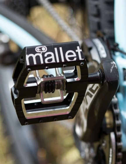 One part that isn't Shimano, Rachel uses Crankbrothers Mallet DH Race pedals