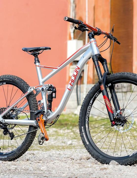 Radon's Slide 150 8.0 HD is a snappy looking bike
