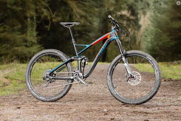 On paper, Radon's Slide Carbon 160 9.0 HD is an appealing prospect