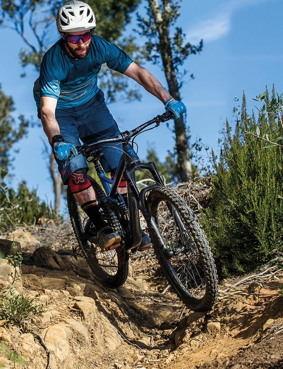 The Radon Swoop 170 8.0 comes with a RockShox Lyrik RCT3 fork