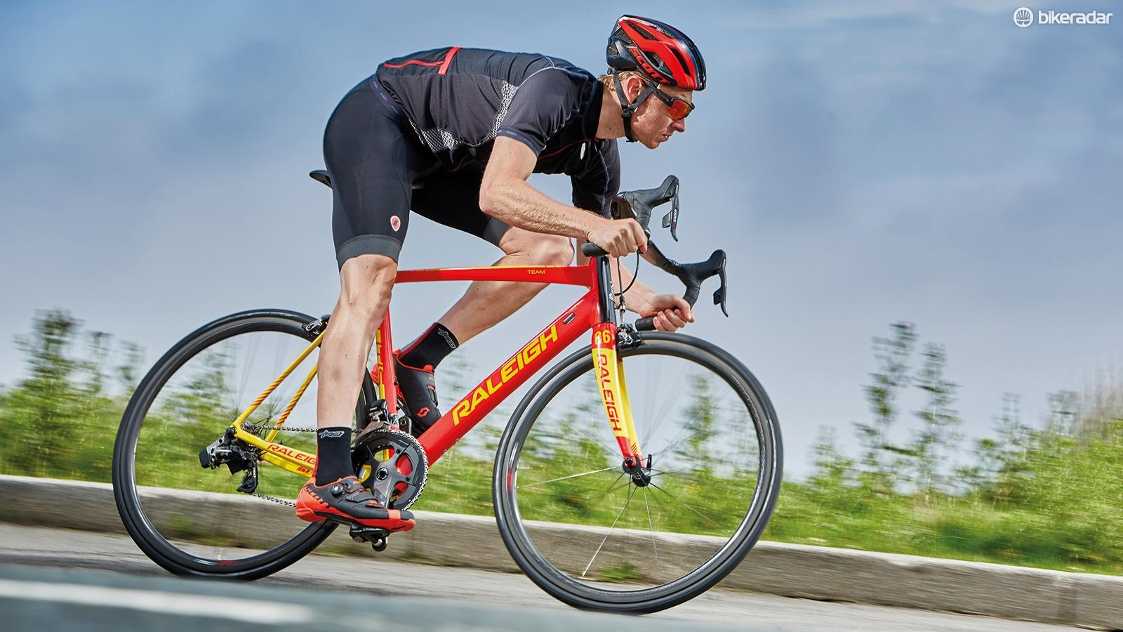 Raleigh's Militis Team eTap is a UK-assembled, distinct and brilliant racing weapon