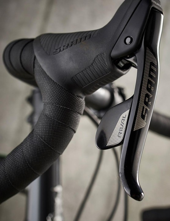 You get used to the SRAM single-paddle setup very quickly