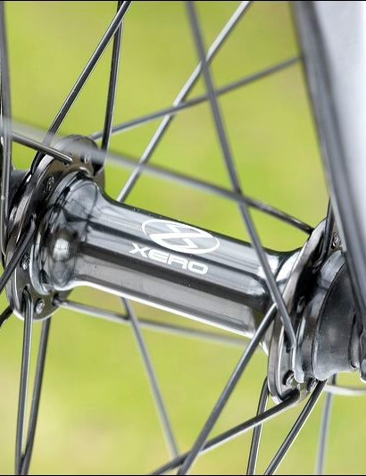 The Element CXR330 wheels use spokes that are attractively grouped side by side in pairs