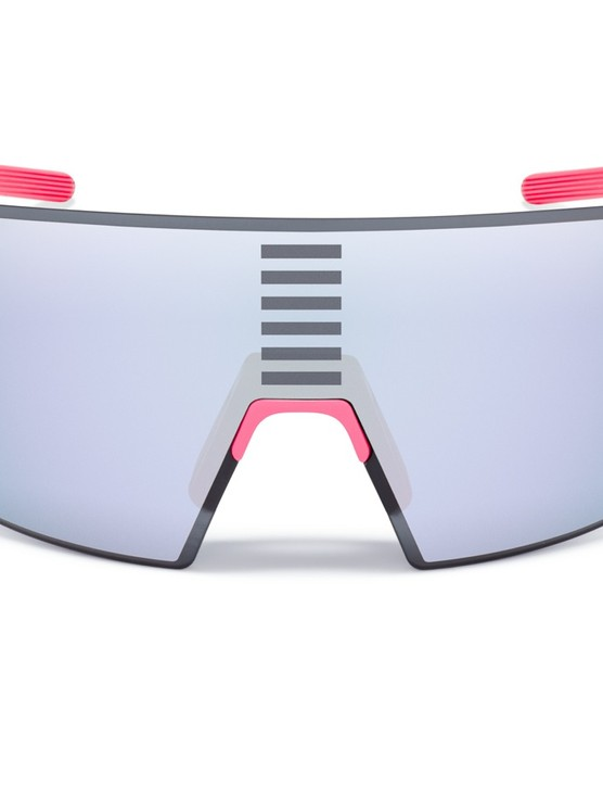Rapha Pro Team Flyweight comes with either black, white, pink or gray arms