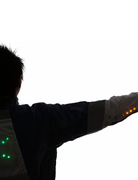 Movement-sensing cycle jacket wins design award
