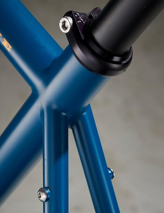 Rear rack fittings extend the Stooshie's versatility