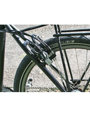 The frame also has clearance for 2.35in Schwalbe Big Apples complete with mudguards