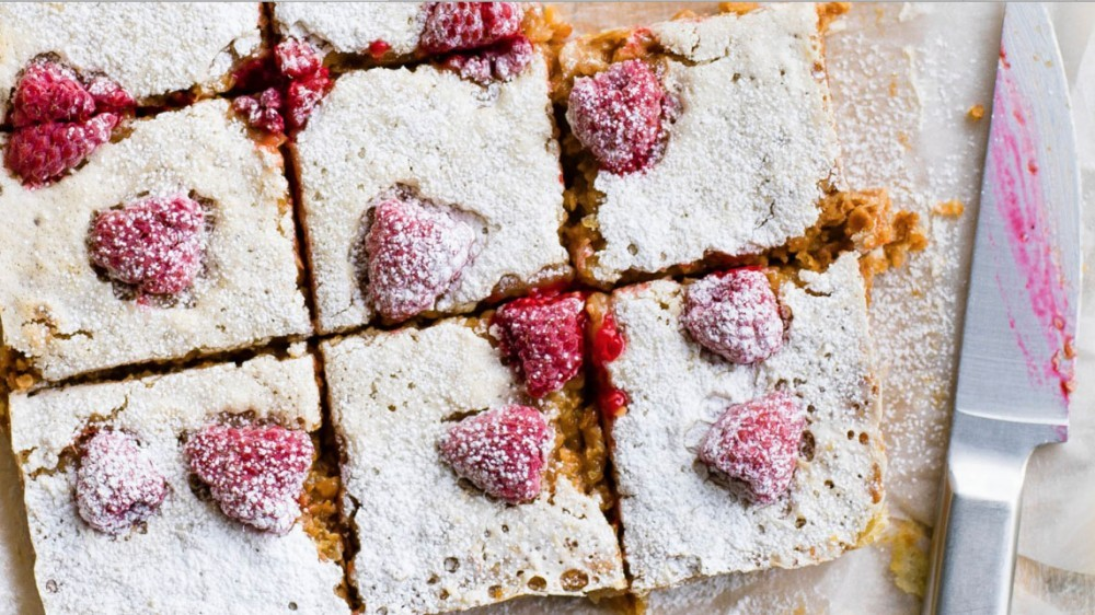 recipe_raspberry_lemon_flapjacks-1467977263469-1ppob0pw6ixb4-1000-90-6351109