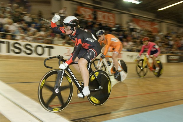American Jennie Reed captures gold in the women's keirin.