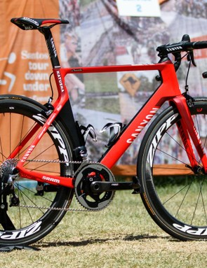 For 2016, Katusha has moved over to SRAM. Along with new Zipp wheels and Quarq power meters, the Russian team are racing with the all-new wireless eTap groupset
