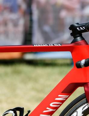 The Canyon Aeroad CF SLX is a top-tier aerodynamic road bike
