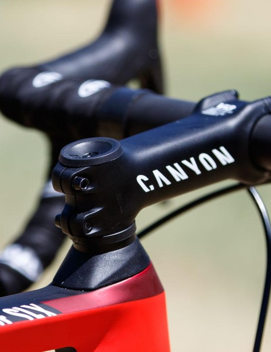 Canyon has its own one-piece integrated carbon handlebar and stem for use on the Aeroad CF SLX, however, Taaramäe uses a more traditional setup for what we assume is for greater adjustability in handlebar angle. As seen in these photos, the Estonian rider has his bars rolled upward