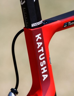 A closer look reveals a slight graphic refinement from last year, but otherwise it's very much the same frame for Katusha