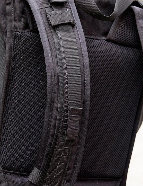The 3-inch wide shoulder straps are super comfortable even with the bag fully loaded