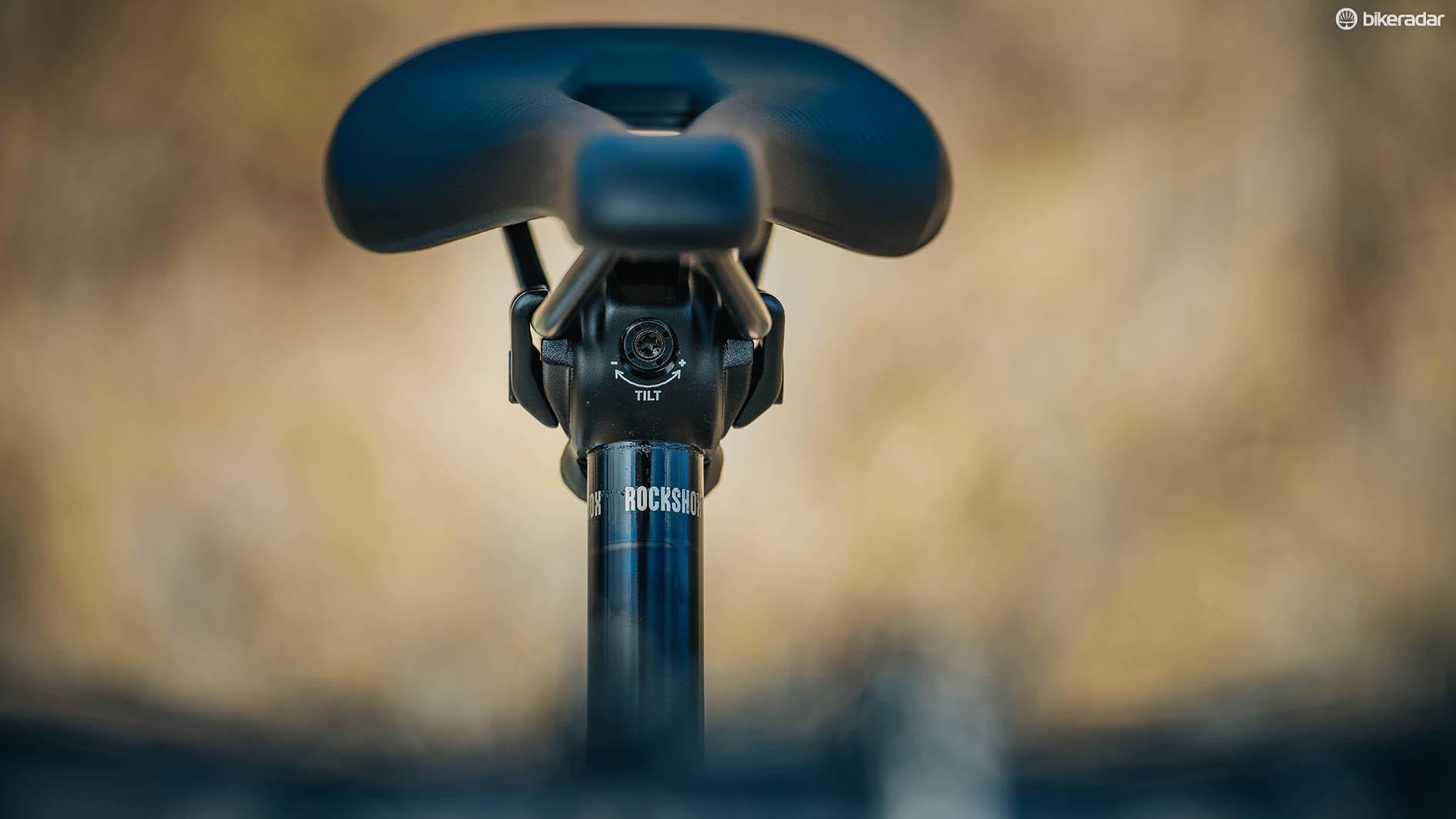 The revised head design meant RockShox had to use a single bolt saddle clamp to secure the seat. It has incorporated an additional tilt bolt though which not only helps with saddle adjustment, but also security