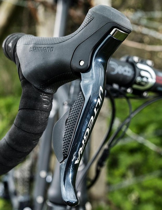 Shimano's electronic Ultegra Di2 is good to find on an aero road bike at this price