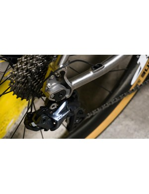 The bike is compatible with both mechanical and electronic groupsets