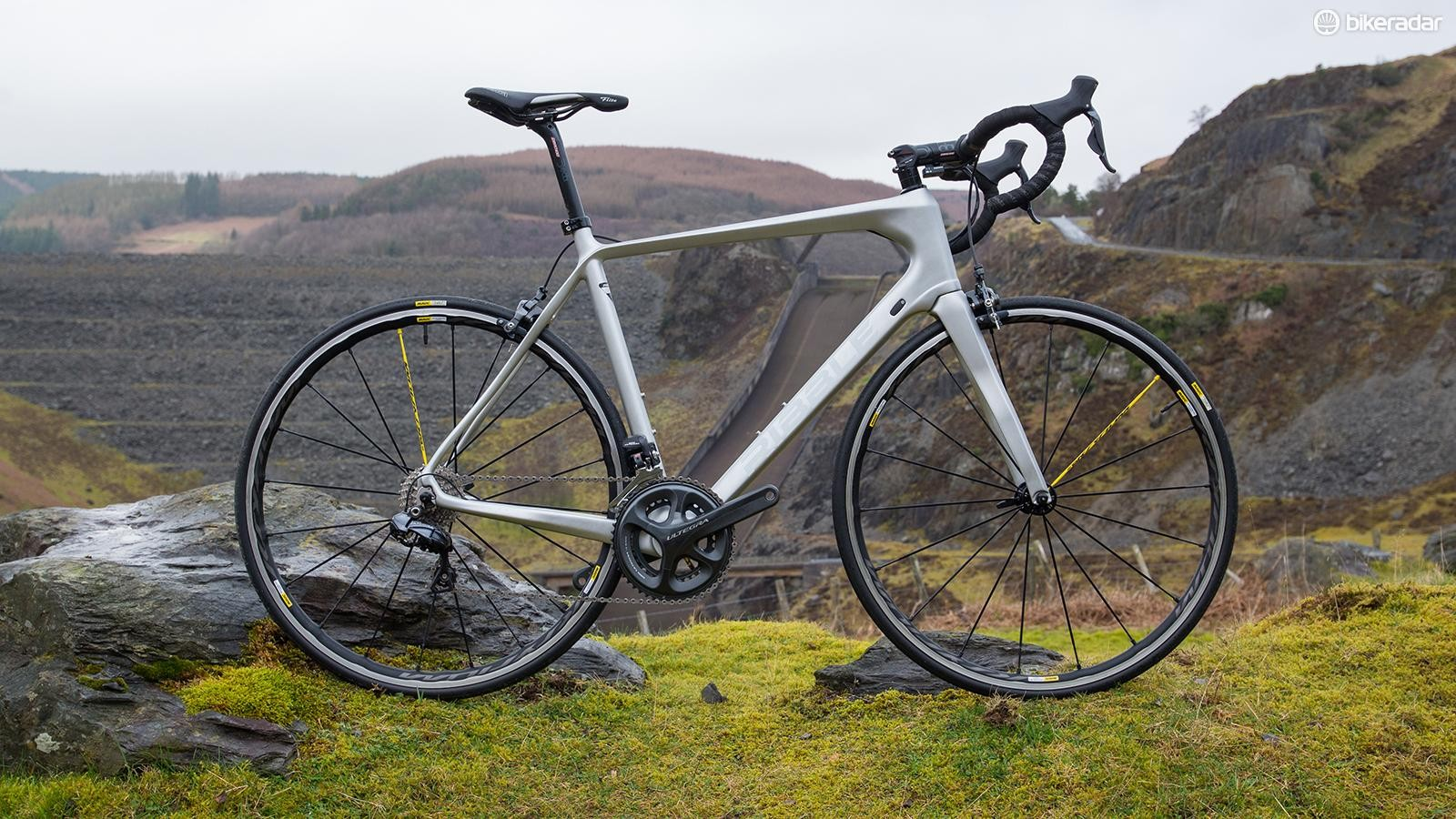 Ribble R872 Ultegra Di2 Special edition delivers the Lancashire firm's customary extreme value