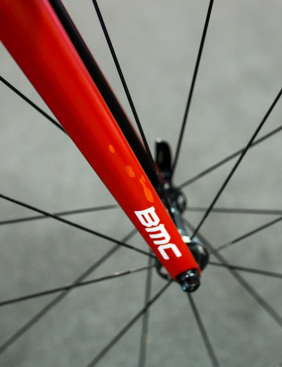 Porte's bike has some war wounds