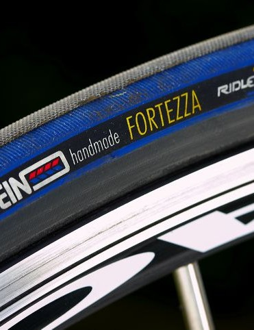 Vredestein Fortezza tyres were the key in helping this bike shine where it was at its best: high speed downhills and hell-for-leather sprint efforts.