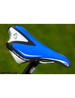 4ZA padded vinyl saddle with chromoly rails