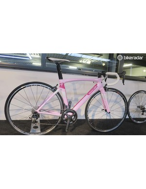 Ridley Jane SL Ultegra is the women's version of the Noah SL, this Ultegra and Fucrum Racing 4 custom wheel equipped model will retail for £3,399