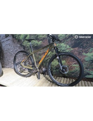Ridley also do a nice line of hardtails with this XTR equipped olive green and fluro orange Ignite