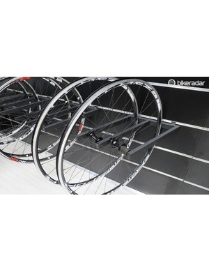 The new 4ZA RC23SL wheelset is lighter than the previous RC31's and wider too, so it should make a decent improvement to Ridley's mid-range complete bikes