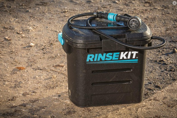 RinseKit battery/pump-free washer