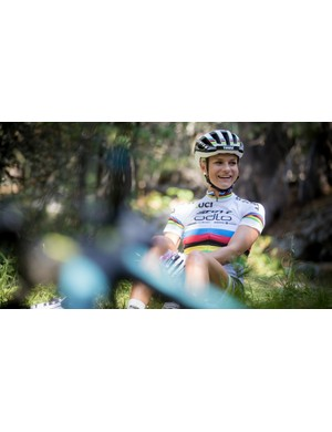 Rissveds in the rainbow stripes of the UCI U23 XC MTB World Champion