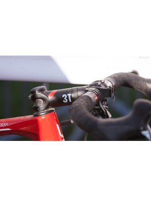 Alloy cockpits are fairly common in the pro peloton, in part because they are less likely to shatter in a crash than carbon