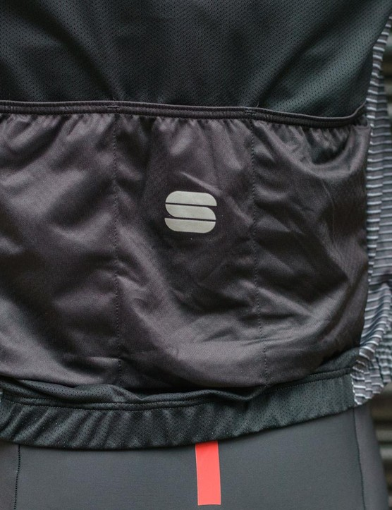 Additional cargo pockets on the Moire wind vest are welcome