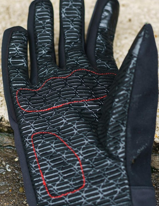 The Sotto Zero gloves have a silicone print on the palms and fingers for grip