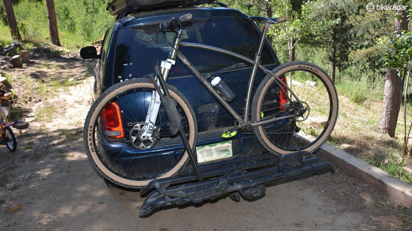 RockyMounts' SplitRail hitch rack works with 20-29in wheels, including Plus-size tires