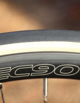 Trek's house-brand tyre performed very well. It feels great on the road, too