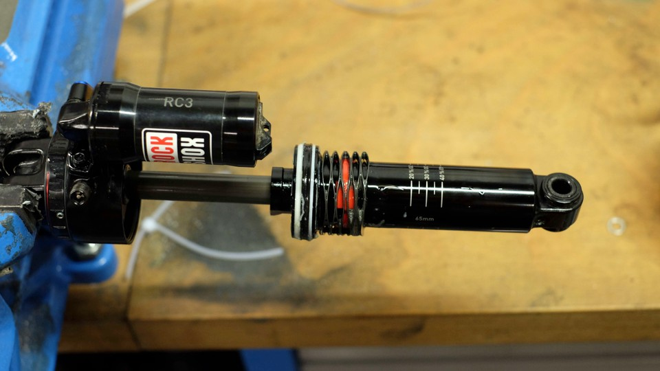 RockShox Deluxe heralds the era of metric-sized shocks