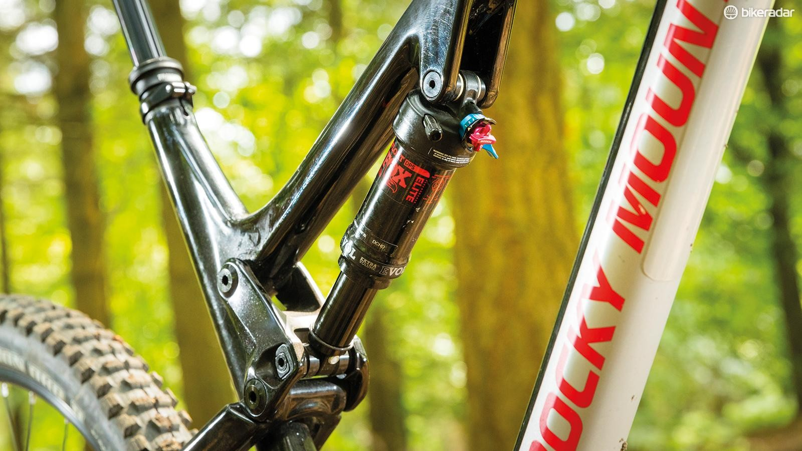 We'd have liked moremid-stroke support fromthe Fox DPS EVOL shock