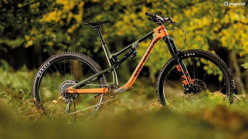 32bf1247e6f The BC Edition Instinct has more travel, a wider bar, bigger tyres and more